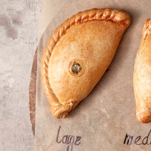 40823c Phat Traditional Cornish pasty (Large 454g)